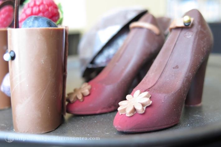 2016年6月アマン東京のアフタヌーンティー 3段トレイの上段チョコレート