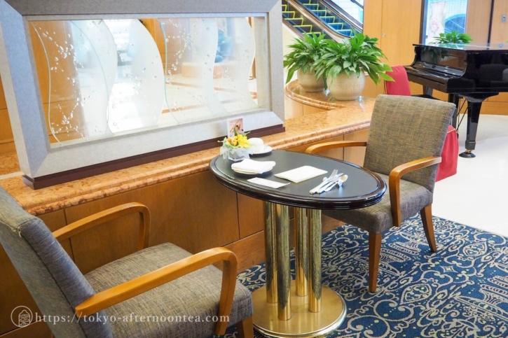 ロイヤルパークホテル「フォンティーヌ」