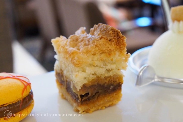 バナナとメイプルシュガーの焼き菓子(ロイヤルパークホテルのトロピカルアフタヌーンティー)