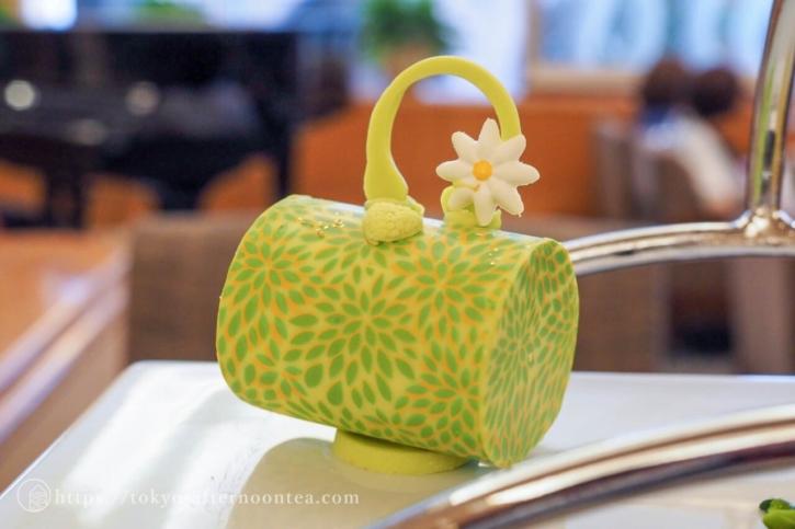 チョコレート細工の菓子(ロイヤルパークホテルのトロピカルアフタヌーンティー)