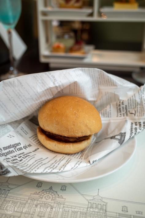 ミニ和牛バーガー(東京ステーションホテル アトリウムのペントハウスアフタヌーンティー)