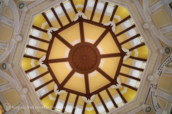 東京駅南ドームの天井