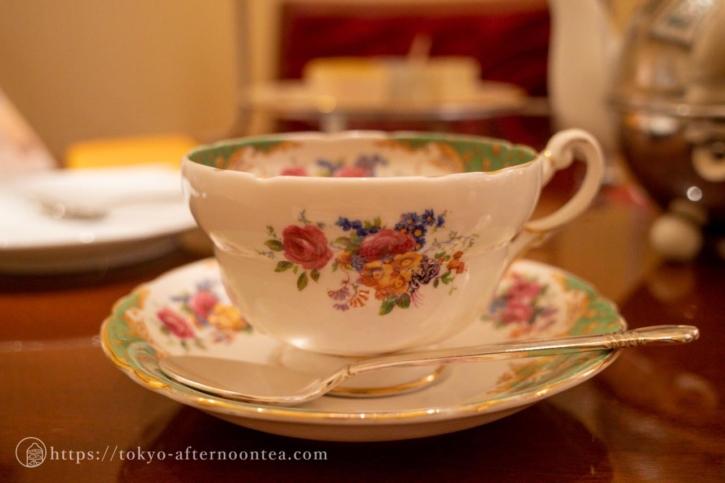 ティーカップ(ロイヤルクリスタルカフェのハイティーセット)