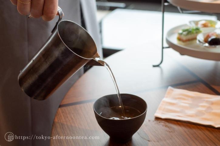 阿波番茶(フォーシーズンズ東京大手町のアフタヌーンティーセット)
