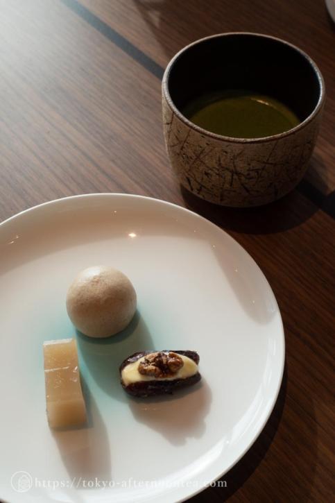 銀座 Higashiyaの和菓子と抹茶(フォーシーズンズ東京大手町のアフタヌーンティーセット)