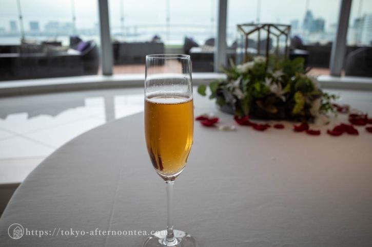 乾杯酒(インターコンチネンタル東京ベイマンハッタンのバイオレット オーシャンビュー アフタヌーンティー)