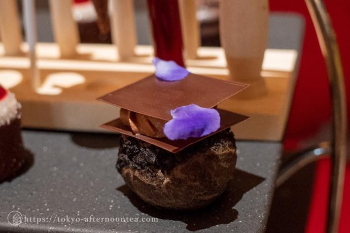 ブラックチョコレートシュー(インターコンチネンタル東京ベイのサイエンス ハロウィンアフタヌーンティー)