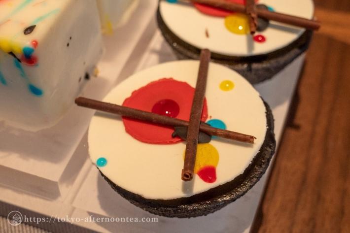 ビターチョコレートタルト(キンプトン新宿東京ホテルのアートエキシビジョンアフタヌーンティー)