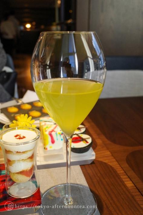 水出し煎茶(キンプトン新宿東京ホテルのアートエキシビジョンアフタヌーンティー)