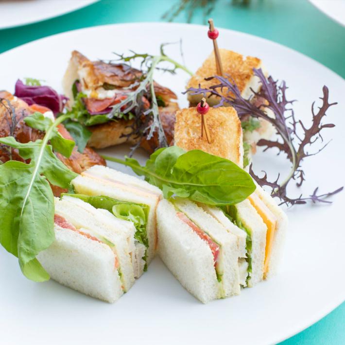 八芳園内レストランのスラッシュカフェ「アフタヌーンティー」