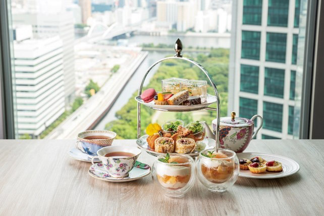 ザ ロイヤルパークホテル アイコニック 東京汐留の桃のアフタヌーンティー