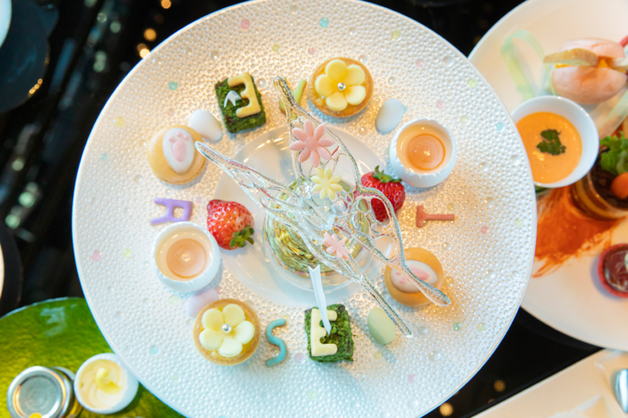 ザ・プリンスギャラリー 東京紀尾井町の蝶が舞うギャラリーアフタヌーンティー Easter